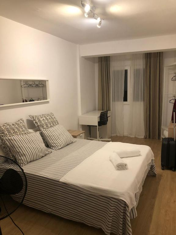 Nosso quarto de Airbnb na Espanha.